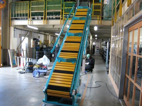 垂直搬送機(荷物用エレベータ)